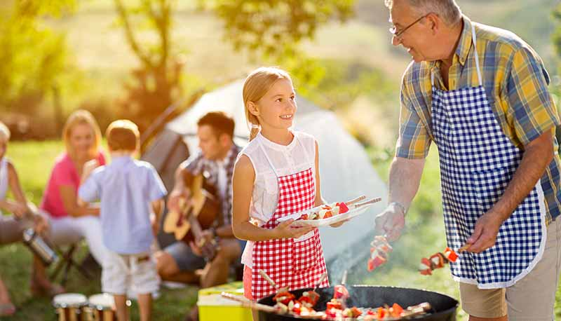 content-family-barbecue